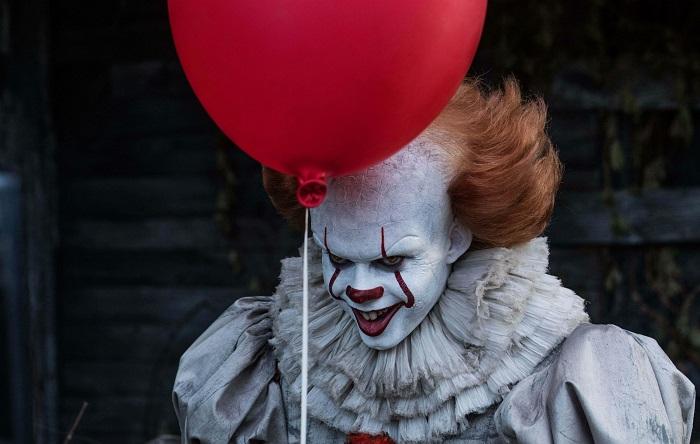 """Il clown di It ad Anagni terrorizza i passanti, scatta la caccia al """"burlone"""""""