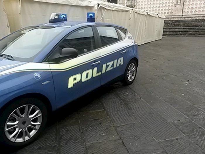 auto della polizia, foto ansa