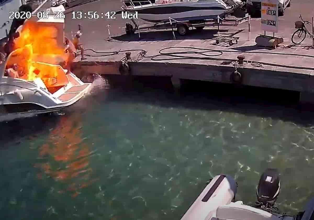 Ponza, motoscafo esplode al porto VIDEO