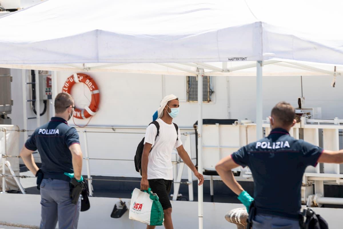 Pozzallo, 64 migranti positivi al coronavirus