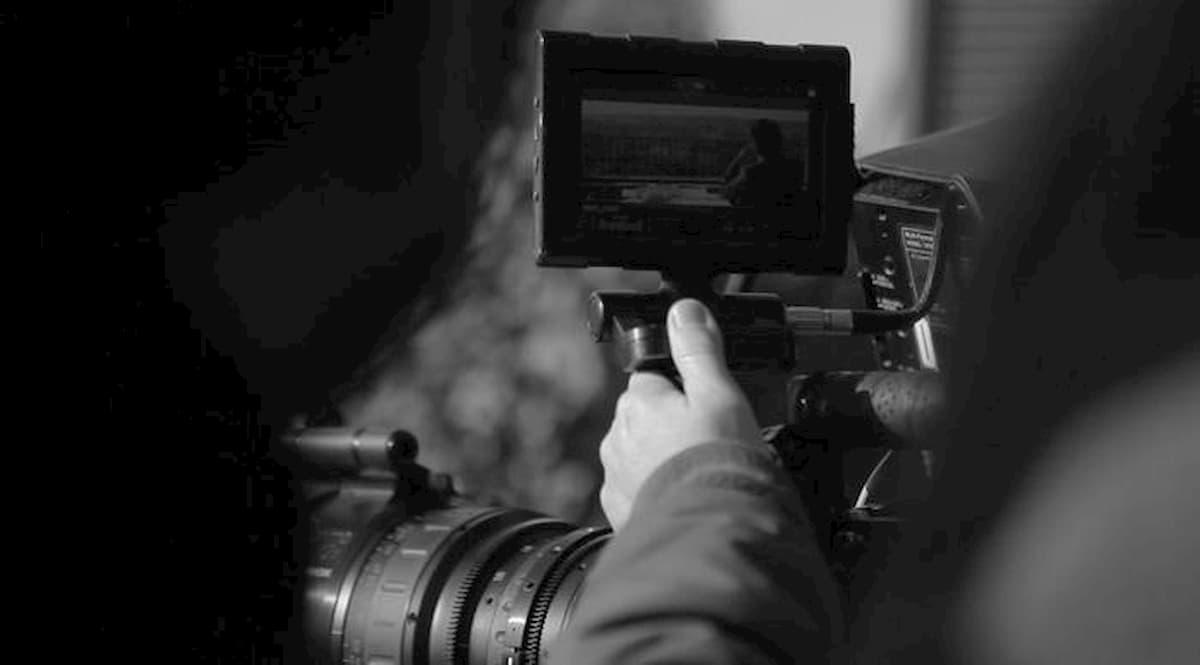 Roma, finto regista arrestato per abusi: violentava aspiranti attrici durante finti casting