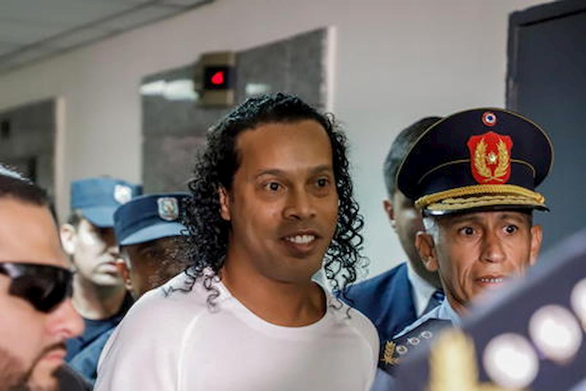Ronaldinho è tornato in libertà, era detenuto in Paraguay 6 marzo
