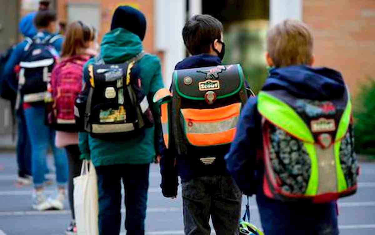 Scuola, approvate linee guida per i bimbi da 0 a 6 anni. Niente mascherine né termometri