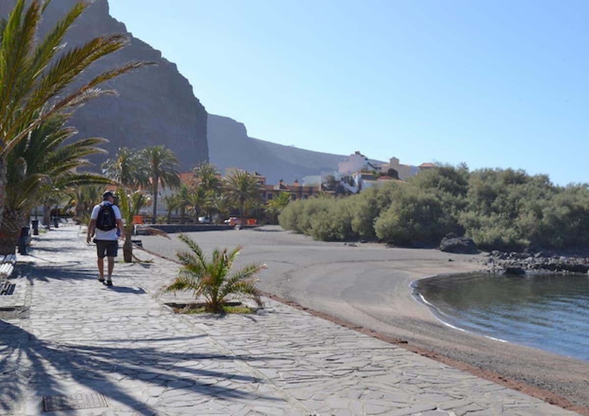 Coronavirus, alle Isole Canarie obbligo di mascherina anche in spiaggia