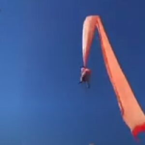 Bambina di 3 anni trascinata in aria dal suo aquilone in Taiwan VIDEO