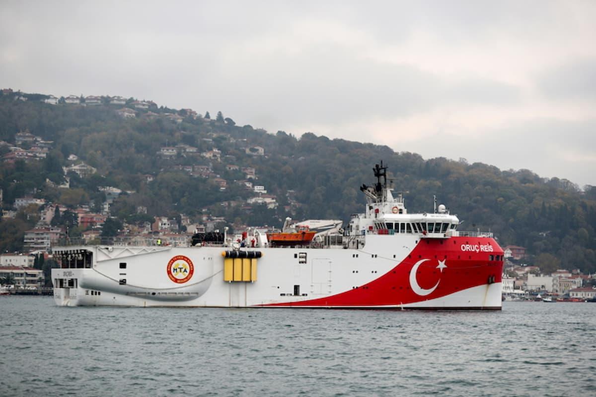 Mediterraneo, tensione fra Grecia e Turchia: scontro fra due fregate