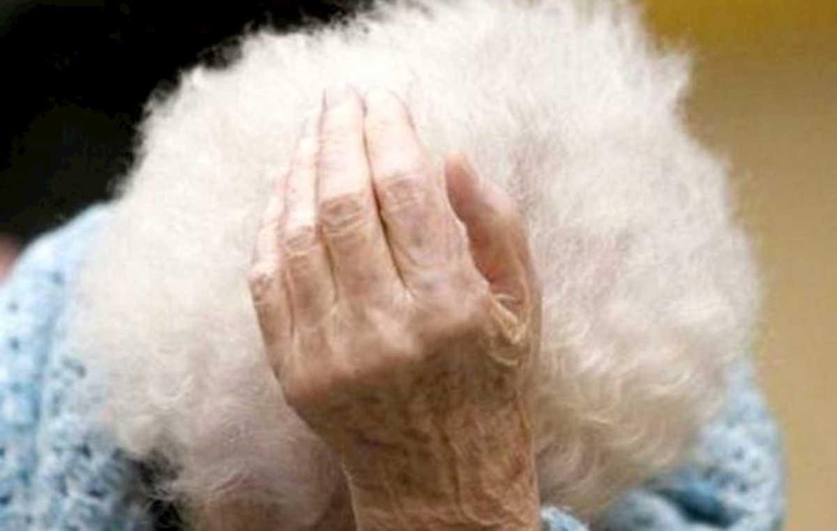 Grottaglie, finge malore per entrare in casa e violenta un'anziana di 95 anni. Arrestato 33enne