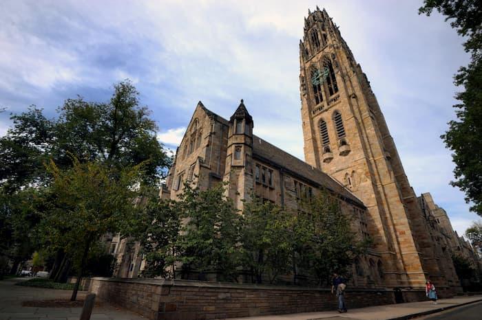Trump contro Yale: discrimina i bianchi