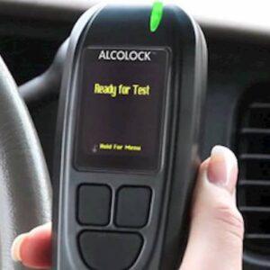 Alcolock, il sistema che ti blocca l'auto se sei ubriaco