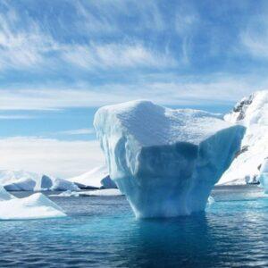"""Donald Trump: """"Presto farà freddo, la scienza non sa"""". Nel frattempo in Antartide, in Italia..."""