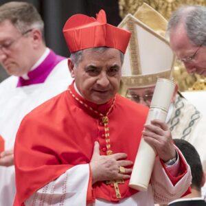 Vaticano, il cardinal Becciu si è dimesso da Prefetto della Congregazione delle cause dei Santi