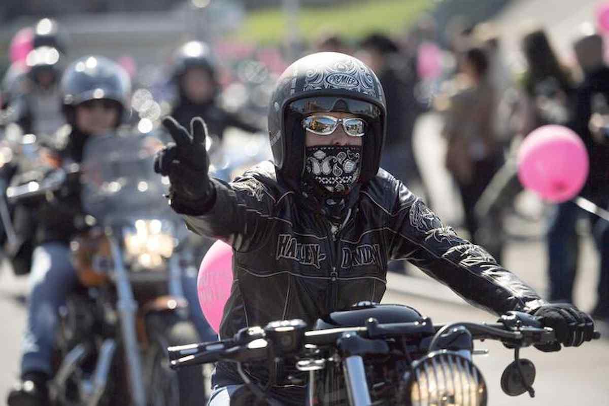 un bikers, foto ansa