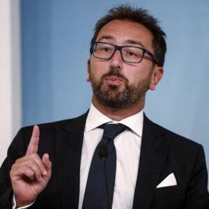 Giustizia, la riforma che chiede l'Europa per il Recovery Fund. Nella foto: il ministro Alfonso Bonafede