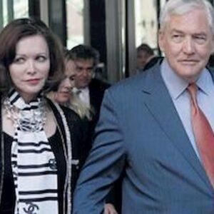 """Conrad Black, la moglie dell'ex magnate nel suo memoir: """"I soldi non comprano veri amici"""""""