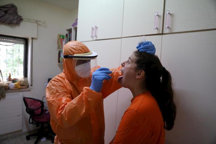 coronavirus foto ansa
