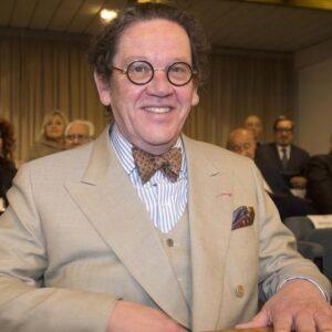 Philippe Daverio morto di tumore a 70 anni, non aveva mai parlato della sua malattia