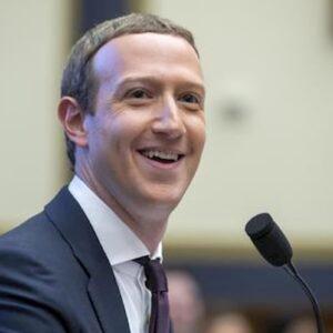 Facebook rimuove i post che negano e minimizzano l'Olocausto. Campagna contro l'antisemitismo 2.0