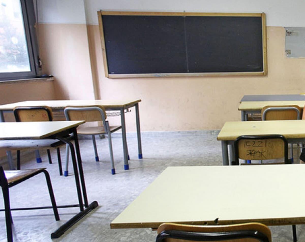 Monfalcone (Gorizia), professore positivo: 115 studenti in quarantena