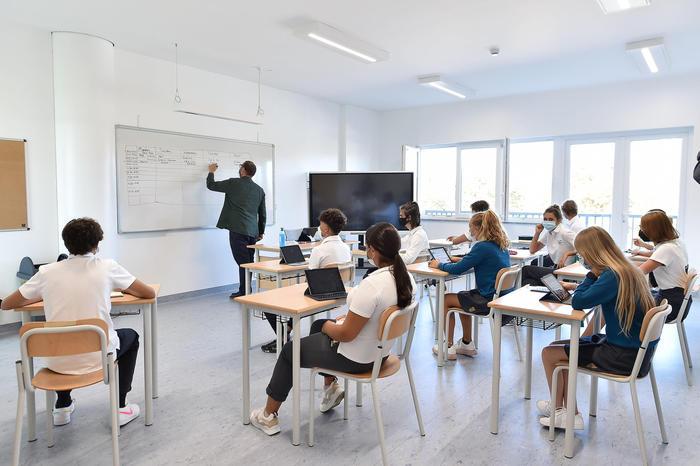Mascherina in classe, le linee guida