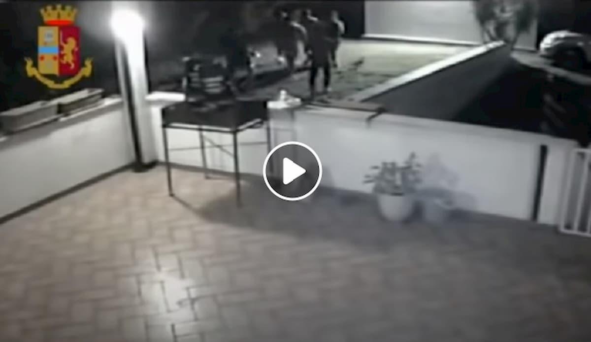 """Marconia di Pisticci, due bambine violentate ma """"non rovinate la festa"""""""