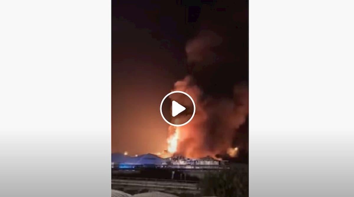 Porto di Ancona: mega incendio a partire da da stanotte. Il Comune chiude scuole e parchi VIDEO