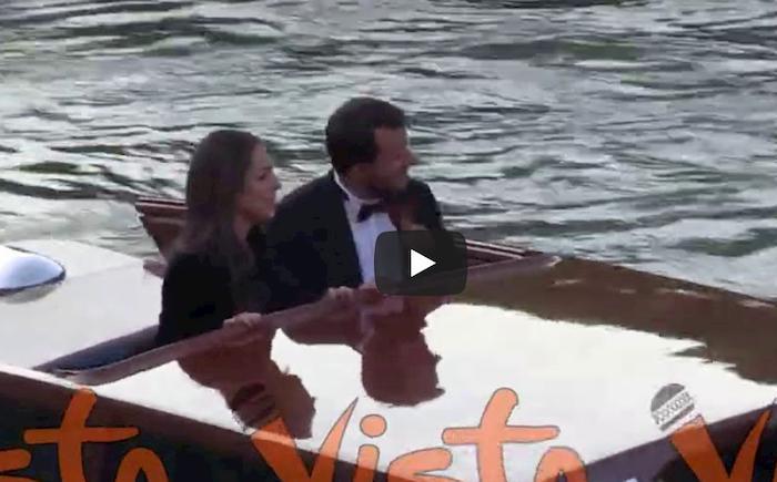 Salvini sbarca a Venezia in smoking gemello con Francesca Verdini VIDEO