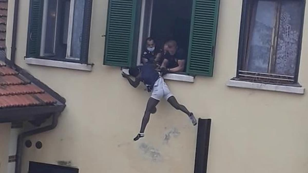 Schio, migrante si lancia dal terzo piano