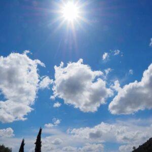 Previsioni meteo: weekend con il sole, ma da lunedì rovesci e temporali
