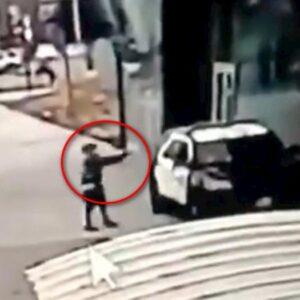 Compton, uomo si avvicina all'auto della polizia e spara: 2 vice sceriffi in fin di vita