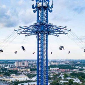 Precipita dalla giostra alta 140 metri a Orlando