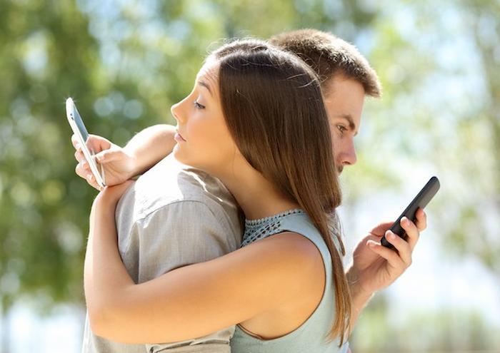 Se il partner ti tradisce sei in grado di capirlo? Scoprilo con il test