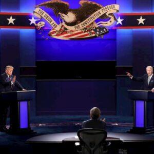 """Usa, primo dibattito di fuoco Trump-Biden. Insulti e urla: """"Pagliaccio!"""", """"Bugiardo"""""""