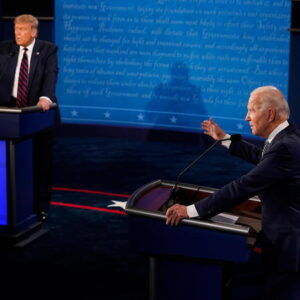 Duello Trump-Biden lordi di piatti e pietanze tiratisi addosso. E non c'è niente da ridere