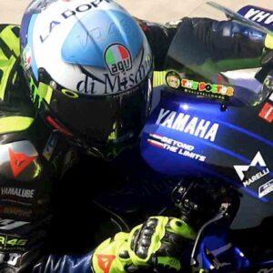 Valentino Rossi, casco a tema Viagra porta fortuna: partirà quarto Misano