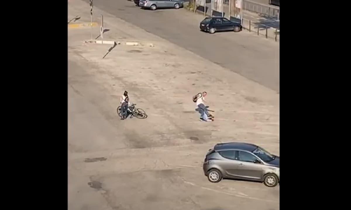 Spacciatore prende a pugni e calci in testa anziano a Vicenza