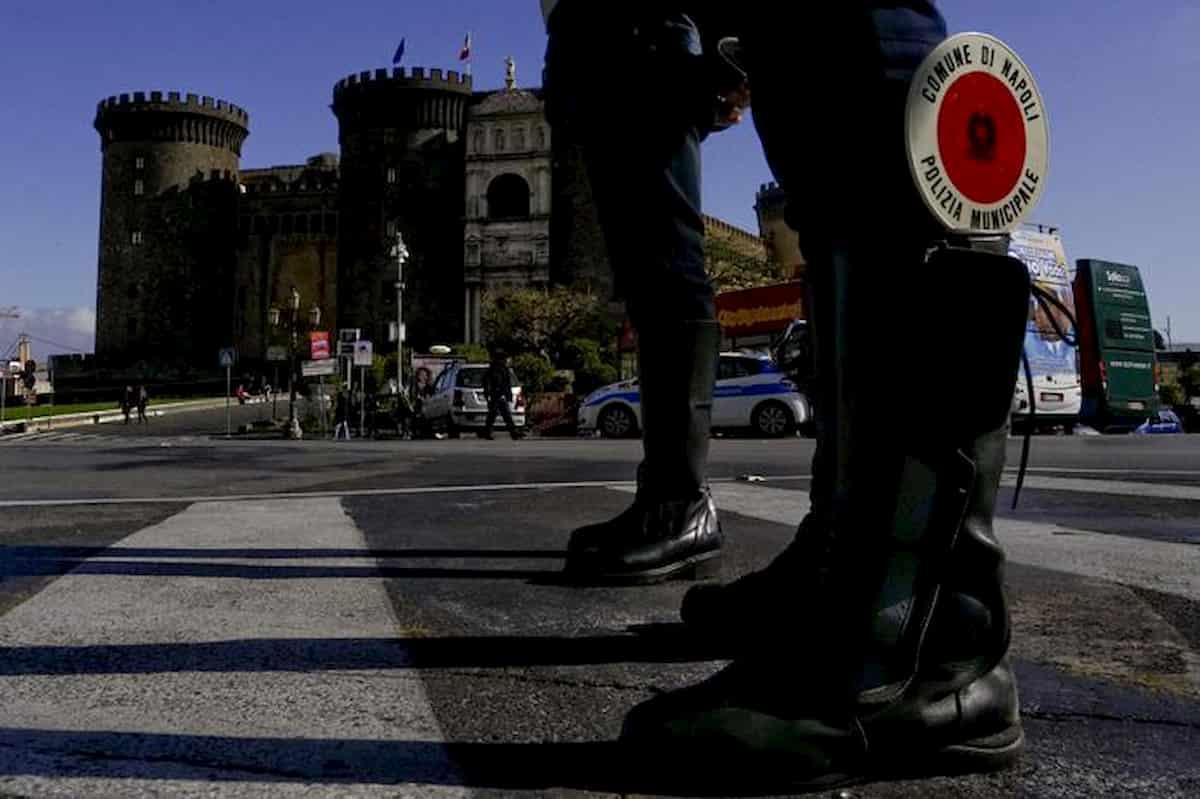 Napoli, focolaio in caserma vigili urbani