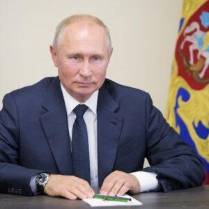 """Coronavirus, pronto il secondo vaccino russo """"EpiVacCorona"""". L'annuncio di Putin"""