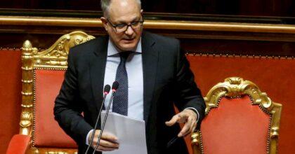 Decrescita dolce e infelice, Giuseppe Turani: ecco cosa ci aspetta. Nella foto il ministro dell'Economia Gualtieri