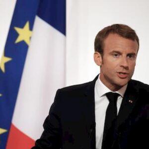 Macron positivo al coronavirus: si isolerà per una settimana e continuerà a lavorare a distanza