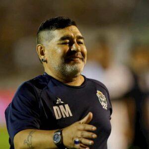 Diego Armando Maradona operato al cervello: aveva un ematoma subdurale dopo una caduta in casa