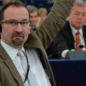 JozsefSzajer: campione della famiglia in Ungheria, in gay bang a Bruxelles il deputato di Orban