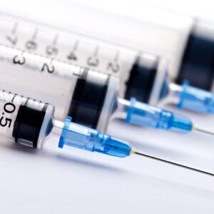 Aghi per Vaccino, in Italia non si sa quando. ancora non hanno scelto che li produrrà, il bando scade domani