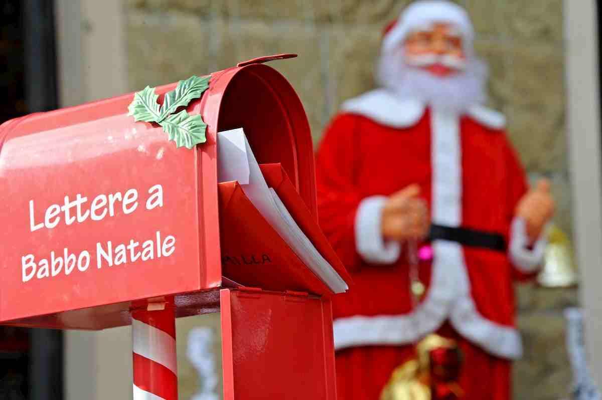 Immagini Natalizie Simpatiche.Frasi Auguri Natale 2020 Le 15 Migliori Frasi Auguri Di Natale Classiche Quelle Simpatiche Quelle D Autore