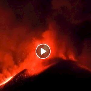 Etna, eruzione amplifica terremoto Sicilia del 23 dicembre? VIDEO fontane di lava del Cratere Sud-Est