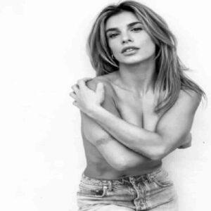 Elisabetta Canalis senza maglietta su Instagram si copre solo con... le braccia. I fan impazziscono