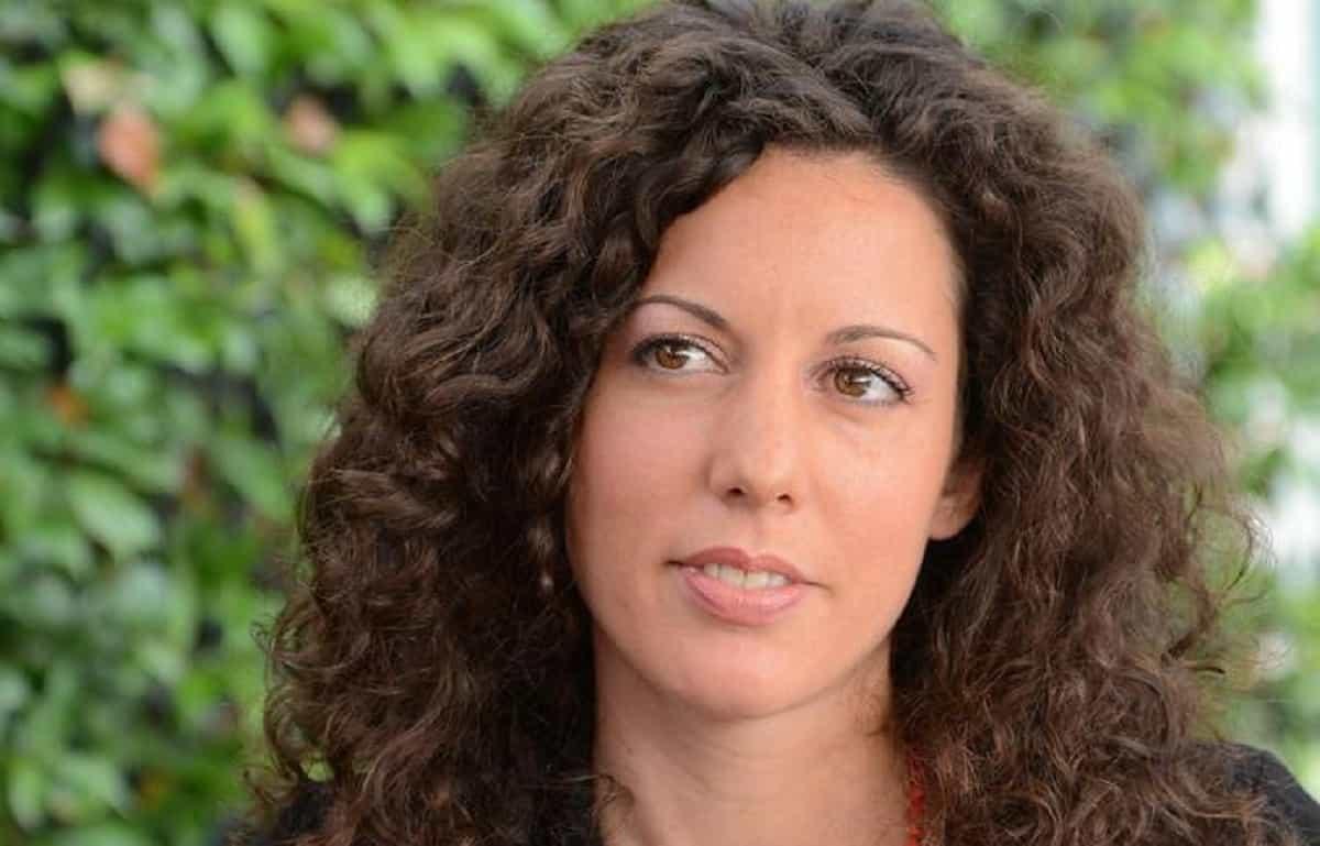 """Silvia Avallone, età, figli, marito, vita privata e opere: chi è la scrittrice del libro """"Acciaio"""""""