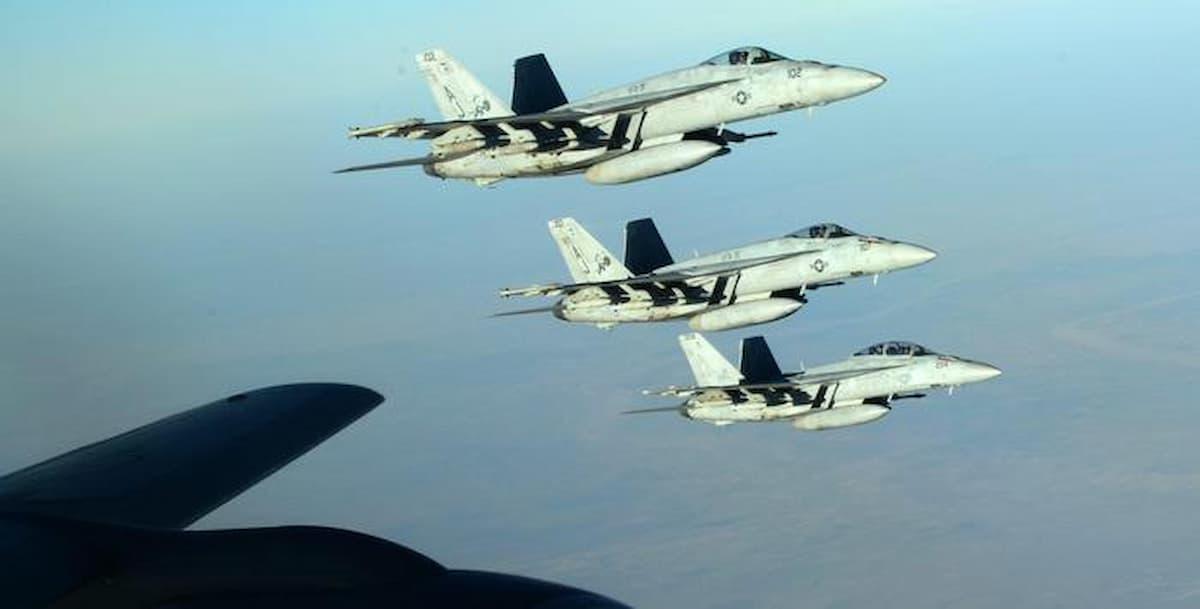 Attacco aereo Usa in Siria, il primo dell'era Biden: colpita una milizia filo iraniana