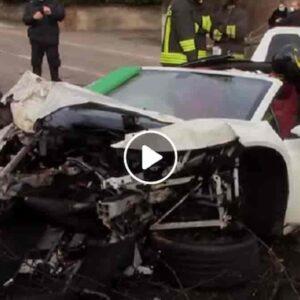 Incidente a Rovellasca (Como): Lamborghini esce di strada e si schianta contro un albero, 2 feriti gravi