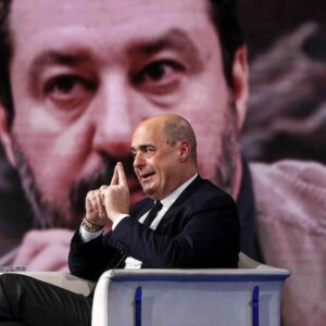 """Pasqua blindata, primo scontro nella maggioranza. Salvini: """"Irrispettoso"""", Zingaretti: """"Sbaglia"""""""