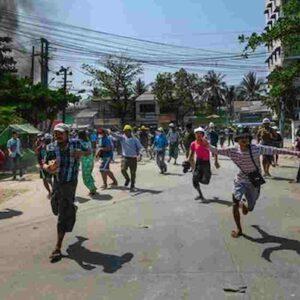 Birmania, 64 morti negli scontri tra manifestanti anti-golpe e militari: ucciso anche un bambino 5 anni